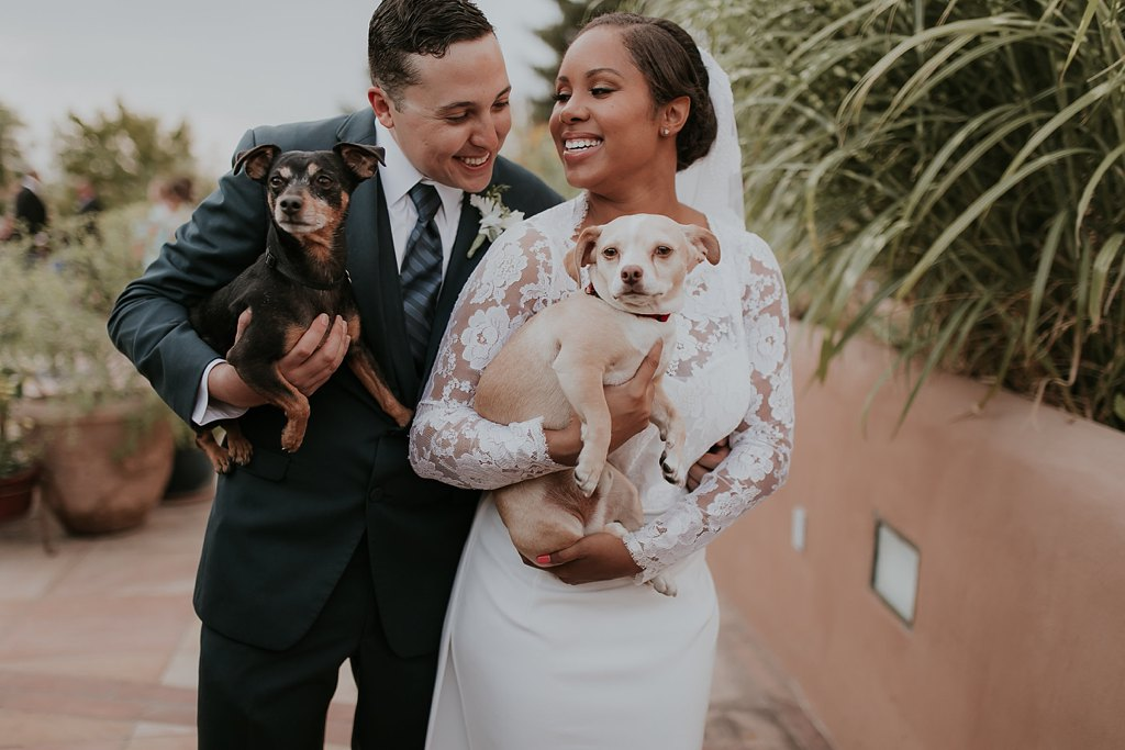 Alicia+lucia+photography+-+albuquerque+wedding+photographer+-+santa+fe+wedding+photography+-+new+mexico+wedding+photographer+-+albuquerque+wedding+-+santa+fe+wedding+-+dogs+in+weddings+-+wedding+dogs+-+real+weddings_0022.jpg