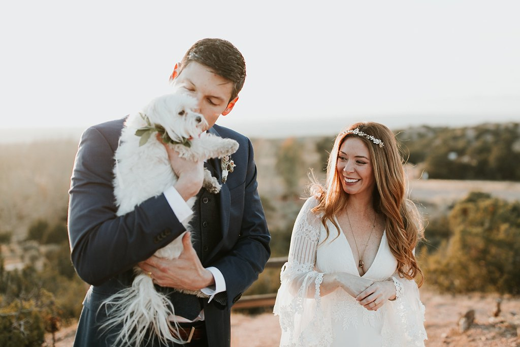 Alicia+lucia+photography+-+albuquerque+wedding+photographer+-+santa+fe+wedding+photography+-+new+mexico+wedding+photographer+-+albuquerque+wedding+-+santa+fe+wedding+-+dogs+in+weddings+-+wedding+dogs+-+real+weddings_0027.jpg