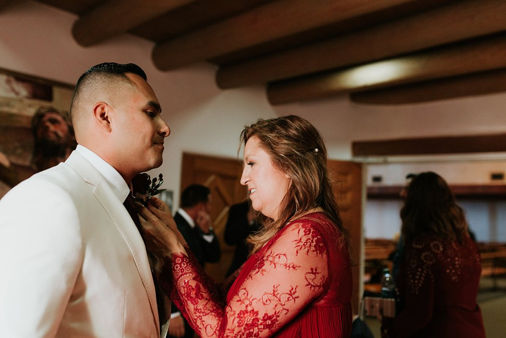 Alicia+lucia+photography+-+albuquerque+wedding+photographer+-+santa+fe+wedding+photography+-+new+mexico+wedding+photographer+-+taos+new+mexico+-+taos+wedding+-+el+monte+sagrado+wedding+-+winter+wedding_0018.jpg