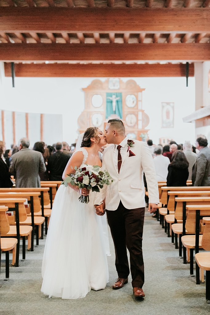 Alicia+lucia+photography+-+albuquerque+wedding+photographer+-+santa+fe+wedding+photography+-+new+mexico+wedding+photographer+-+taos+new+mexico+-+taos+wedding+-+el+monte+sagrado+wedding+-+winter+wedding_0049.jpg