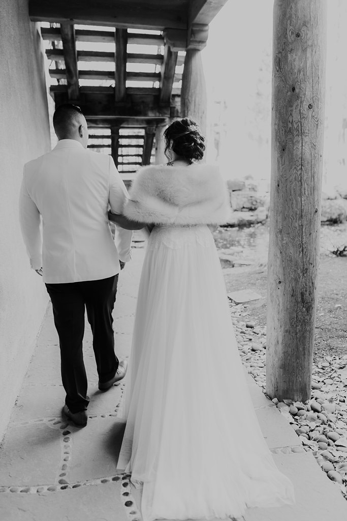 Alicia+lucia+photography+-+albuquerque+wedding+photographer+-+santa+fe+wedding+photography+-+new+mexico+wedding+photographer+-+taos+new+mexico+-+taos+wedding+-+el+monte+sagrado+wedding+-+winter+wedding_0062.jpg