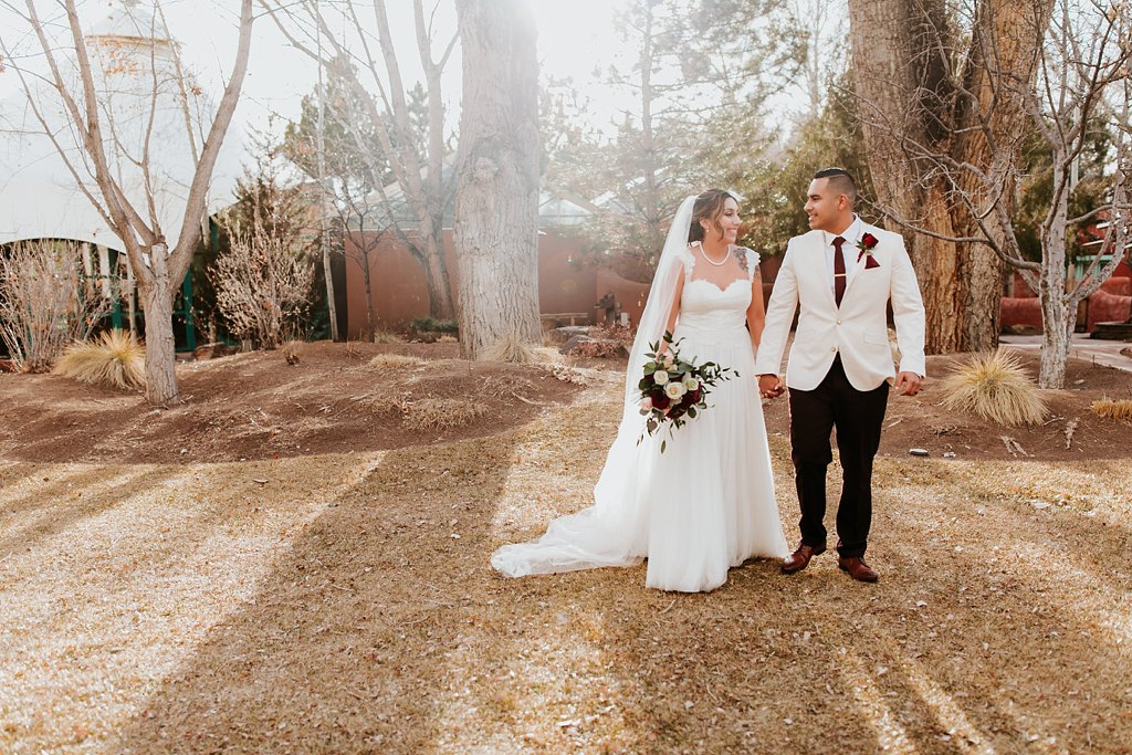 Alicia+lucia+photography+-+albuquerque+wedding+photographer+-+santa+fe+wedding+photography+-+new+mexico+wedding+photographer+-+taos+new+mexico+-+taos+wedding+-+el+monte+sagrado+wedding+-+winter+wedding_0076.jpg