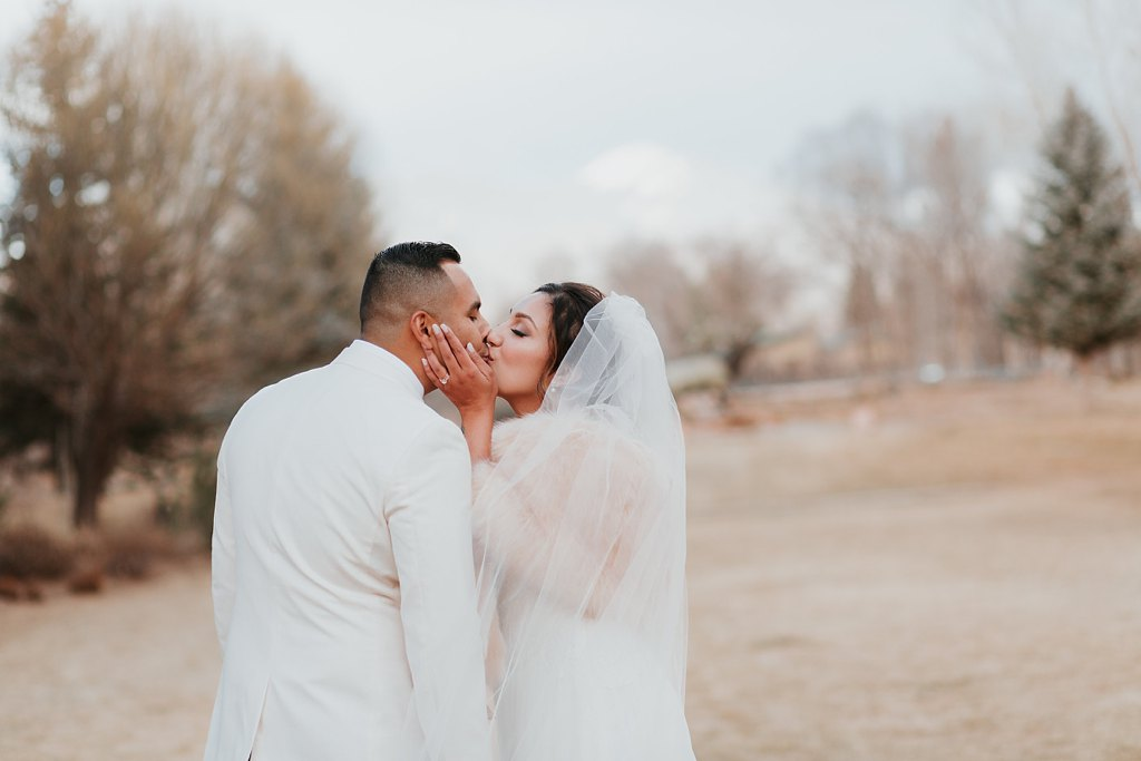 Alicia+lucia+photography+-+albuquerque+wedding+photographer+-+santa+fe+wedding+photography+-+new+mexico+wedding+photographer+-+taos+new+mexico+-+taos+wedding+-+el+monte+sagrado+wedding+-+winter+wedding_0085.jpg