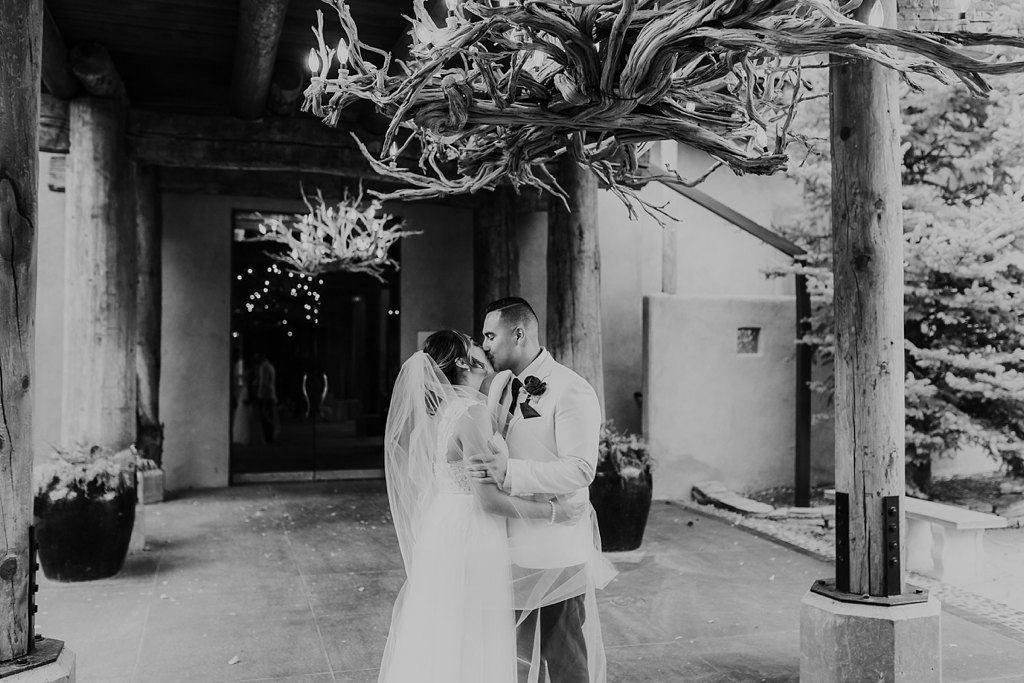 Alicia+lucia+photography+-+albuquerque+wedding+photographer+-+santa+fe+wedding+photography+-+new+mexico+wedding+photographer+-+taos+new+mexico+-+taos+wedding+-+el+monte+sagrado+wedding+-+winter+wedding_0090.jpg