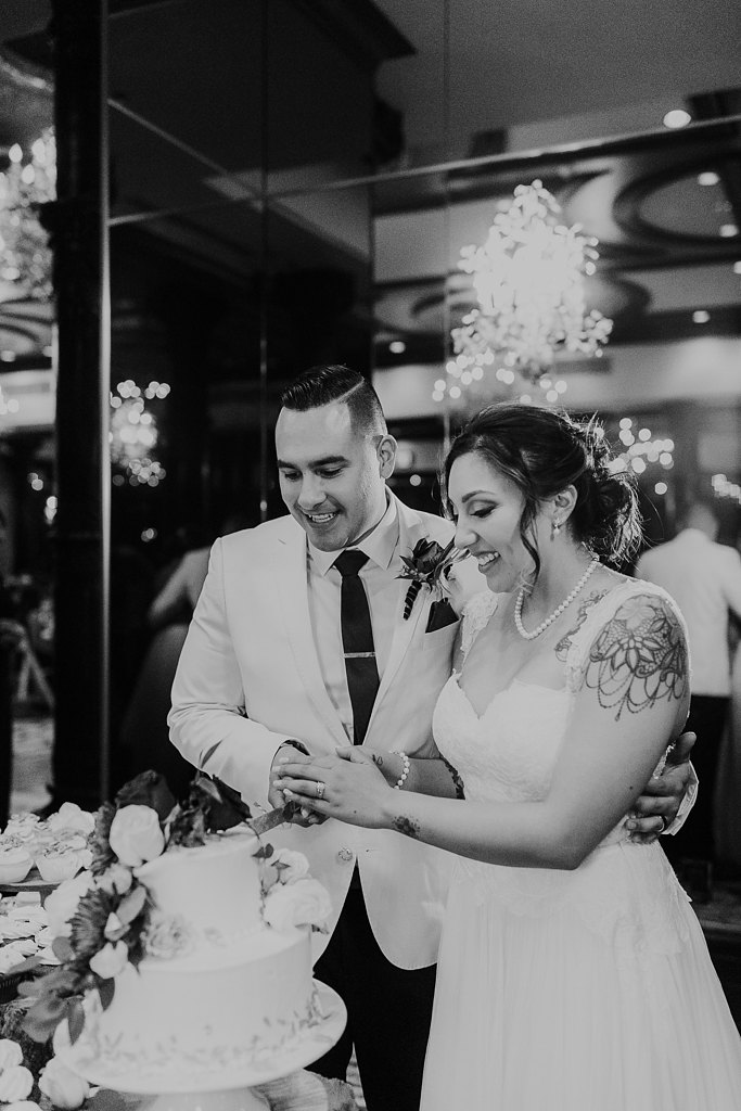 Alicia+lucia+photography+-+albuquerque+wedding+photographer+-+santa+fe+wedding+photography+-+new+mexico+wedding+photographer+-+taos+new+mexico+-+taos+wedding+-+el+monte+sagrado+wedding+-+winter+wedding_0112.jpg