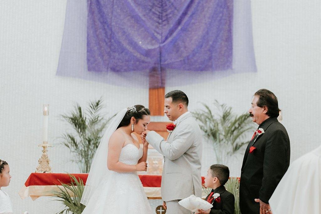 Alicia+lucia+photography+-+albuquerque+wedding+photographer+-+santa+fe+wedding+photography+-+new+mexico+wedding+photographer+-+albuquerque+wedding+-+albuquerque+winter+wedding_0030.jpg