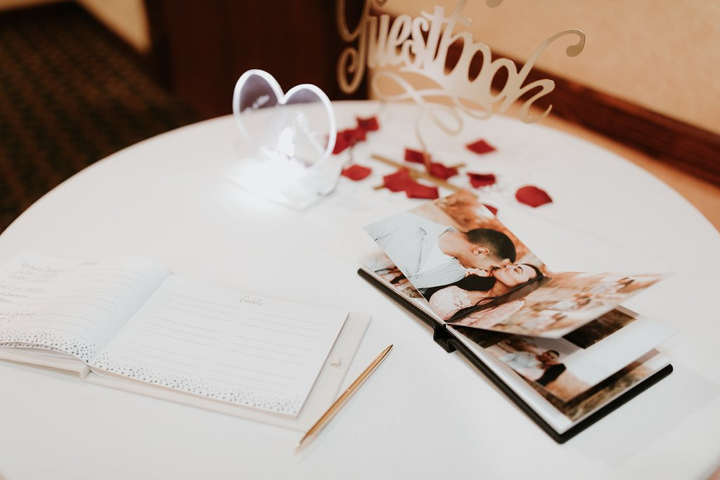 Alicia+lucia+photography+-+albuquerque+wedding+photographer+-+santa+fe+wedding+photography+-+new+mexico+wedding+photographer+-+albuquerque+wedding+-+albuquerque+winter+wedding_0084.jpg