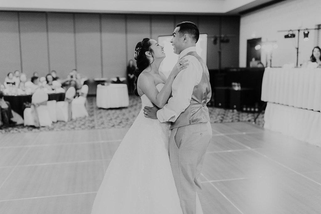 Alicia+lucia+photography+-+albuquerque+wedding+photographer+-+santa+fe+wedding+photography+-+new+mexico+wedding+photographer+-+albuquerque+wedding+-+albuquerque+winter+wedding_0093.jpg