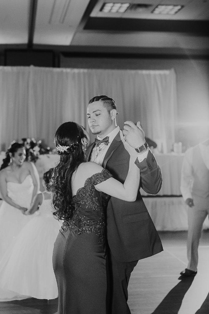 Alicia+lucia+photography+-+albuquerque+wedding+photographer+-+santa+fe+wedding+photography+-+new+mexico+wedding+photographer+-+albuquerque+wedding+-+albuquerque+winter+wedding_0097.jpg