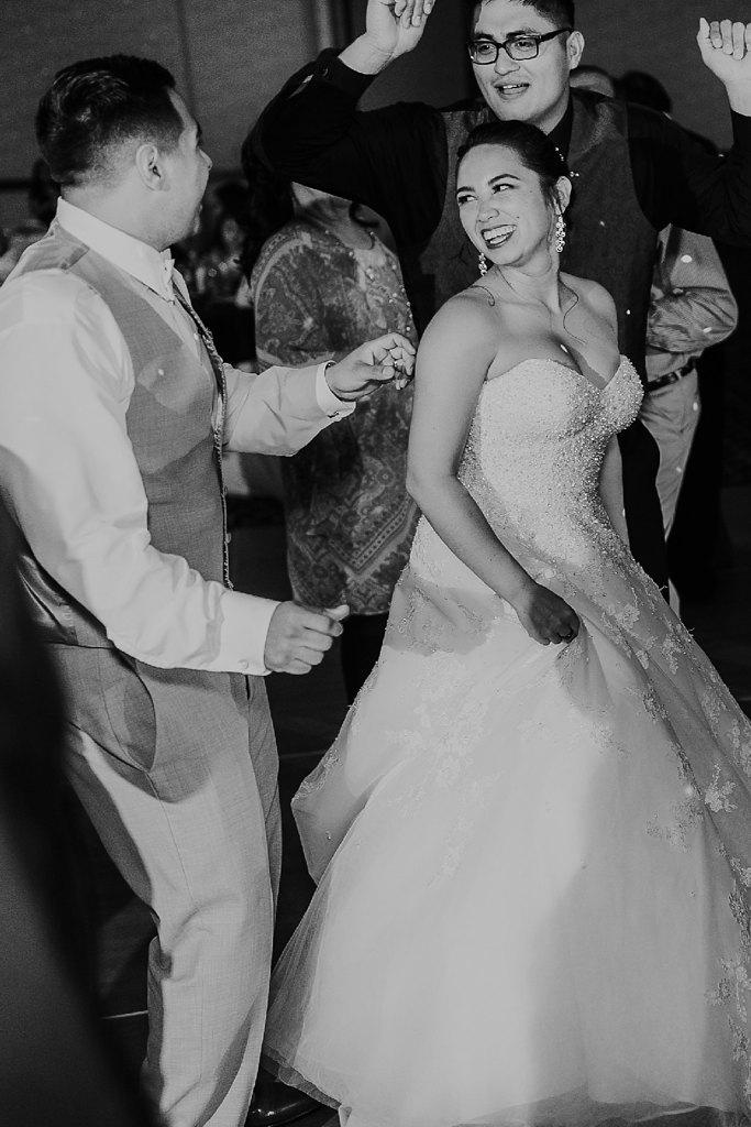 Alicia+lucia+photography+-+albuquerque+wedding+photographer+-+santa+fe+wedding+photography+-+new+mexico+wedding+photographer+-+albuquerque+wedding+-+albuquerque+winter+wedding_0102.jpg