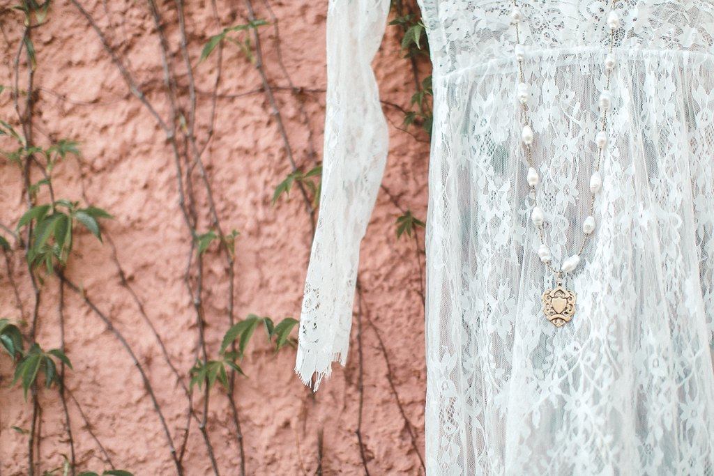 Alicia+lucia+photography+-+albuquerque+wedding+photographer+-+santa+fe+wedding+photography+-+new+mexico+wedding+photographer+-+bridal+session+-+fall+bridal+session+-+styled+wedding+-+styled+fall+wedding_0034.jpg