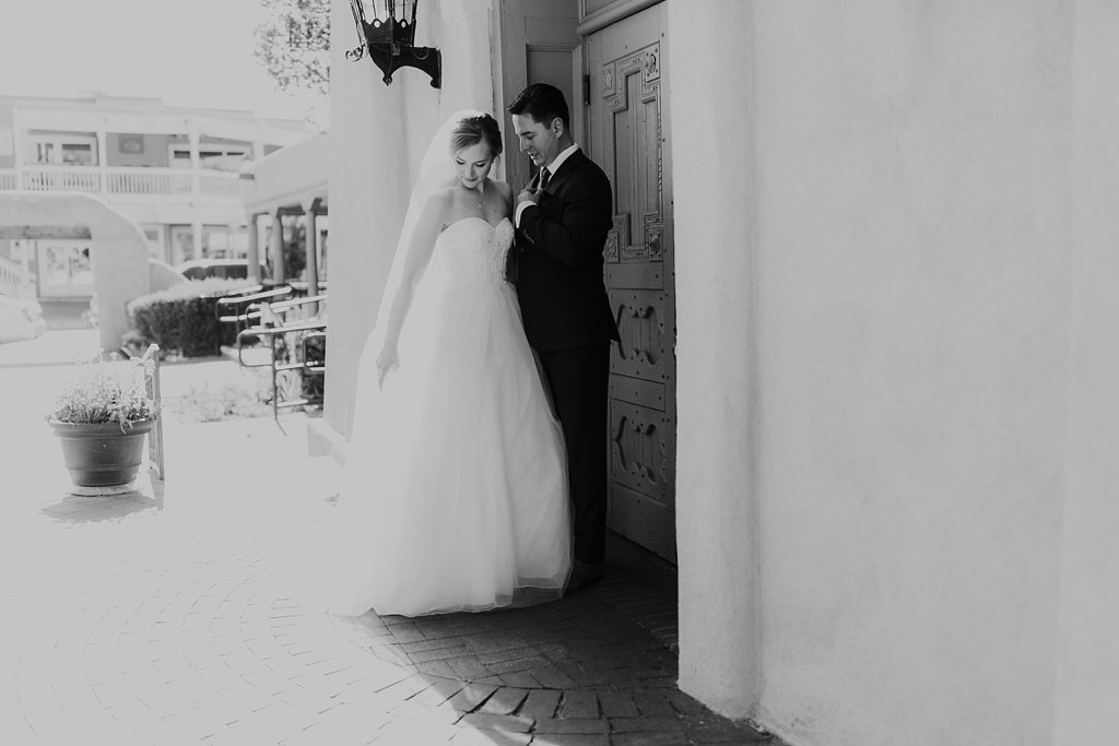 Alicia+lucia+photography+-+albuquerque+wedding+photographer+-+santa+fe+wedding+photography+-+new+mexico+wedding+photographer+-+old+town+albuquerque+wedding+-+el+zocalo+wedding+-+new+mexcio+spring+wedding_0072.jpg