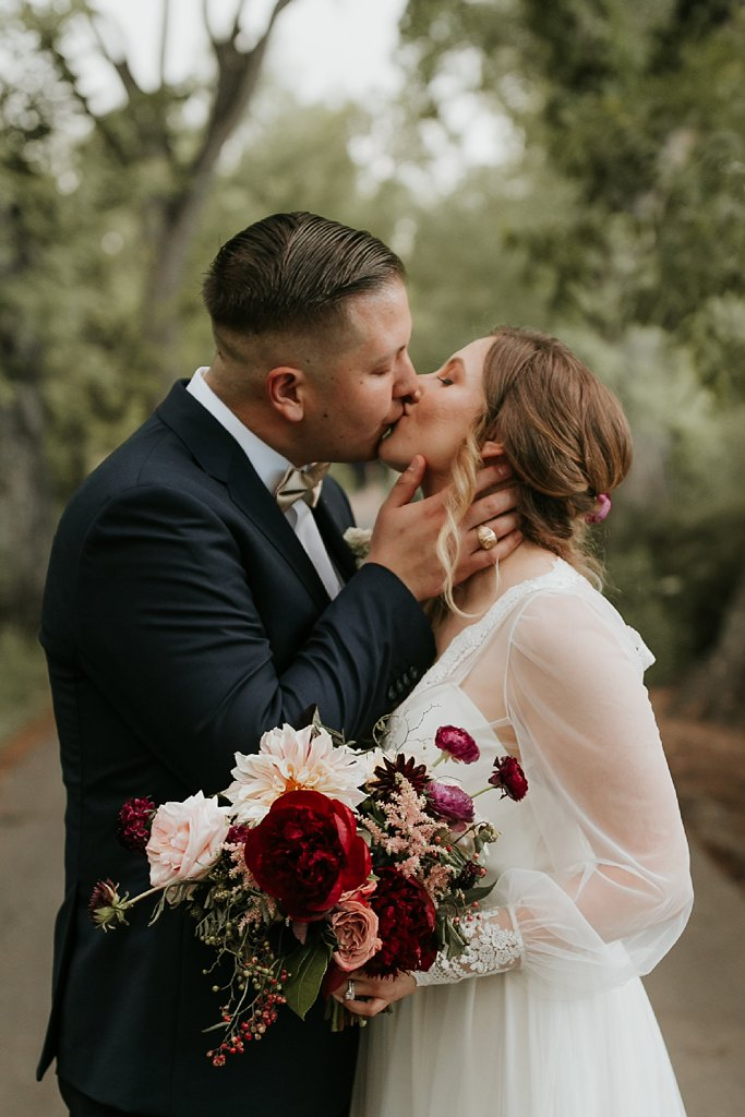 Alicia+lucia+photography+-+albuquerque+wedding+photographer+-+santa+fe+wedding+photography+-+new+mexico+wedding+photographer+-+los+poblanos+wedding+-+los+poblanos+summer+wedding+-+rainy+los+poblanos+wedding_0097.jpg