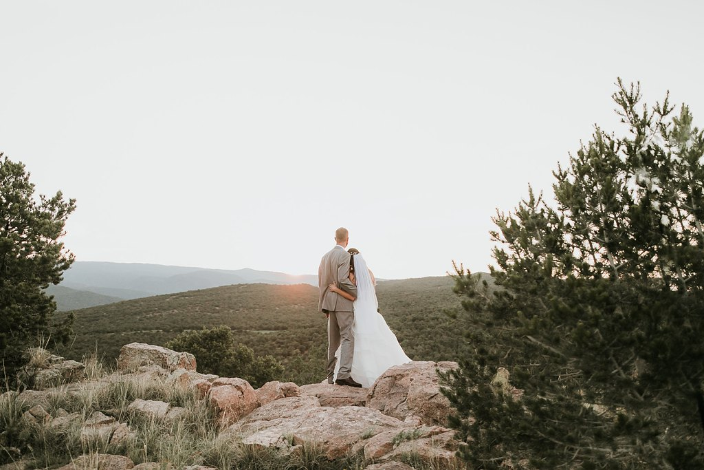 Alicia+lucia+photography+-+albuquerque+wedding+photographer+-+santa+fe+wedding+photography+-+new+mexico+wedding+photographer+-+albuquerque+wedding+-+paako+ridge+golf+club+-+paako+ridge+golf+club+wedding_0079.jpg