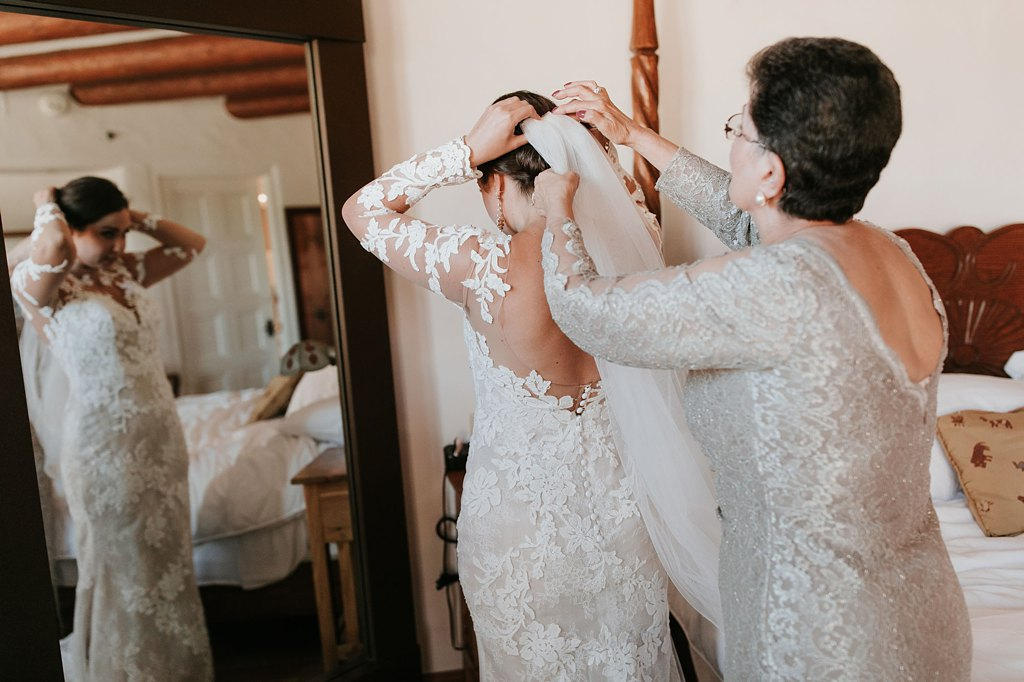 Alicia+lucia+photography+-+albuquerque+wedding+photographer+-+santa+fe+wedding+photography+-+new+mexico+wedding+photographer+-+new+mexico+wedding+-+santa+fe+wedding+-+la+fonda+wedding+-+la+fonda+fall+wedding_0020.jpg