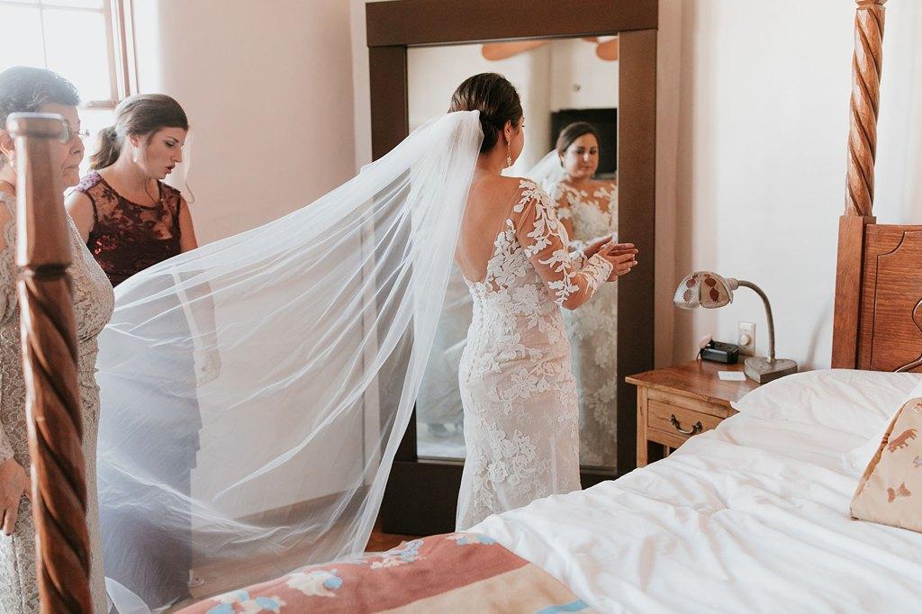 Alicia+lucia+photography+-+albuquerque+wedding+photographer+-+santa+fe+wedding+photography+-+new+mexico+wedding+photographer+-+new+mexico+wedding+-+santa+fe+wedding+-+la+fonda+wedding+-+la+fonda+fall+wedding_0021.jpg