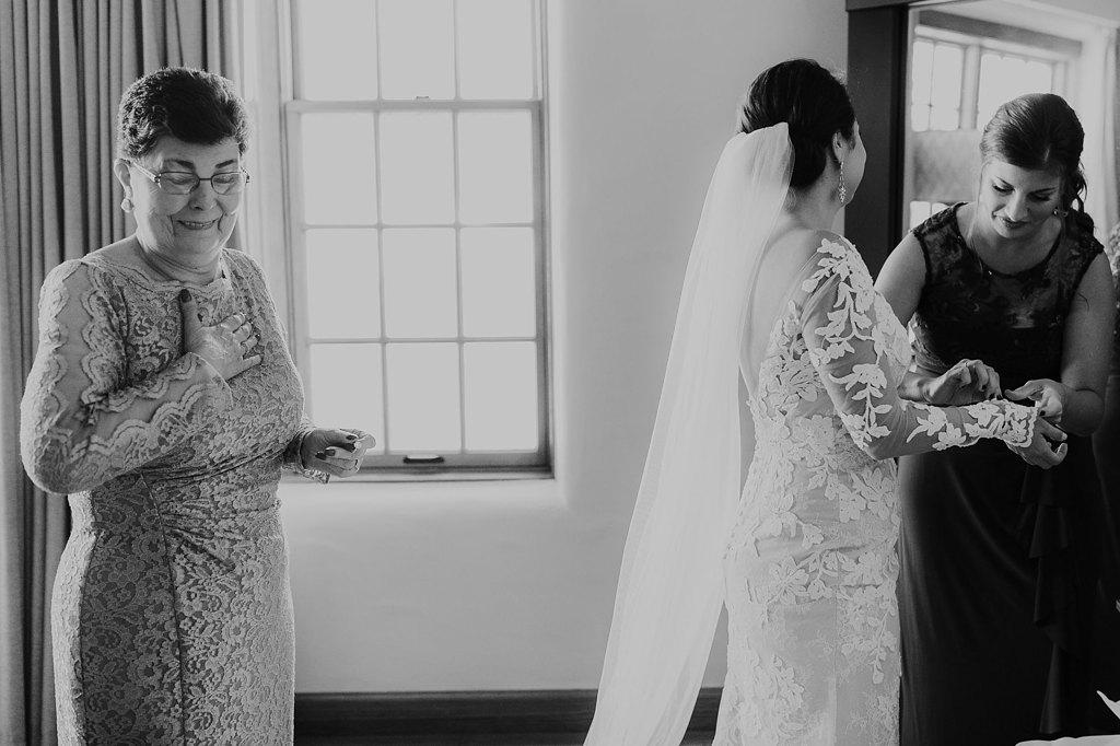 Alicia+lucia+photography+-+albuquerque+wedding+photographer+-+santa+fe+wedding+photography+-+new+mexico+wedding+photographer+-+new+mexico+wedding+-+santa+fe+wedding+-+la+fonda+wedding+-+la+fonda+fall+wedding_0022.jpg