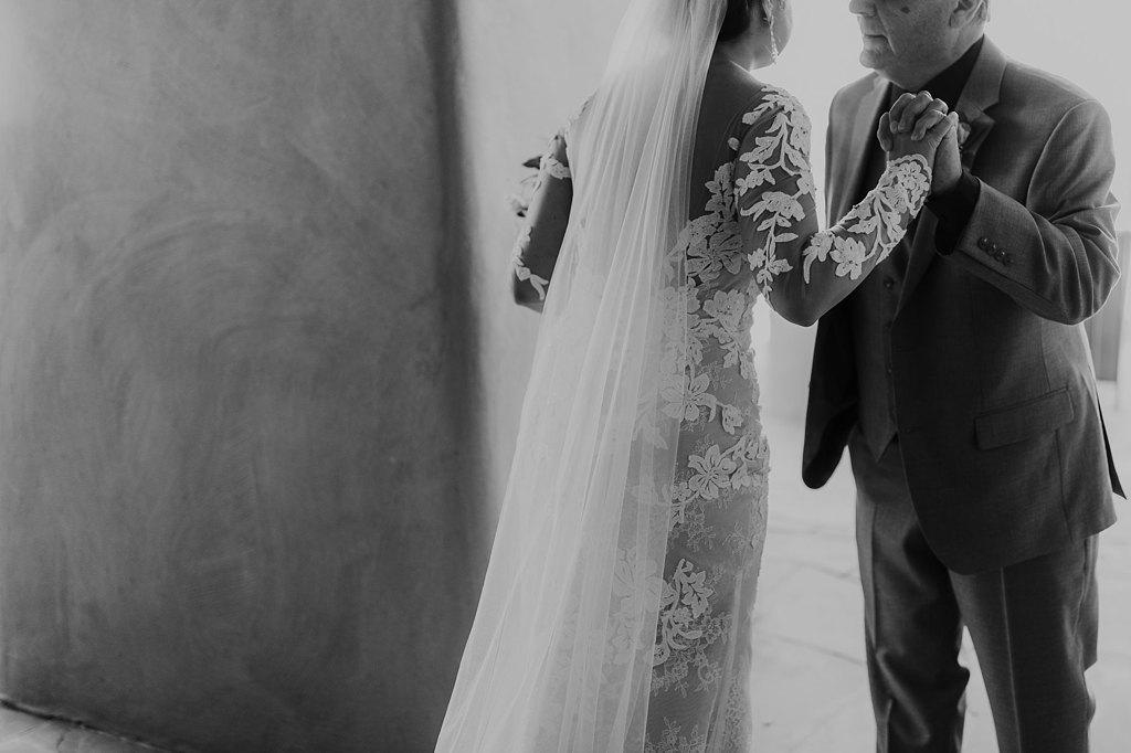 Alicia+lucia+photography+-+albuquerque+wedding+photographer+-+santa+fe+wedding+photography+-+new+mexico+wedding+photographer+-+new+mexico+wedding+-+santa+fe+wedding+-+la+fonda+wedding+-+la+fonda+fall+wedding_0048.jpg