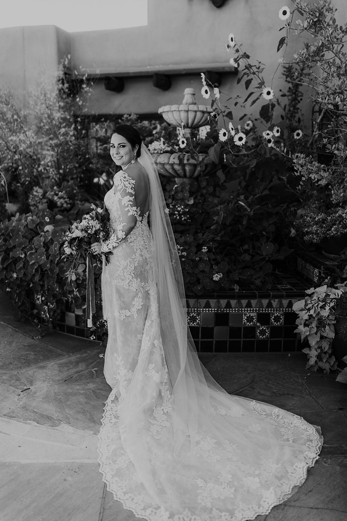 Alicia+lucia+photography+-+albuquerque+wedding+photographer+-+santa+fe+wedding+photography+-+new+mexico+wedding+photographer+-+new+mexico+wedding+-+santa+fe+wedding+-+la+fonda+wedding+-+la+fonda+fall+wedding_0055.jpg
