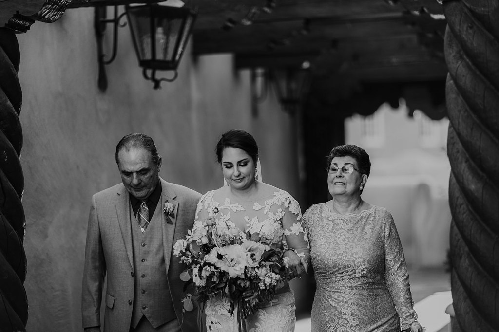 Alicia+lucia+photography+-+albuquerque+wedding+photographer+-+santa+fe+wedding+photography+-+new+mexico+wedding+photographer+-+new+mexico+wedding+-+santa+fe+wedding+-+la+fonda+wedding+-+la+fonda+fall+wedding_0080.jpg