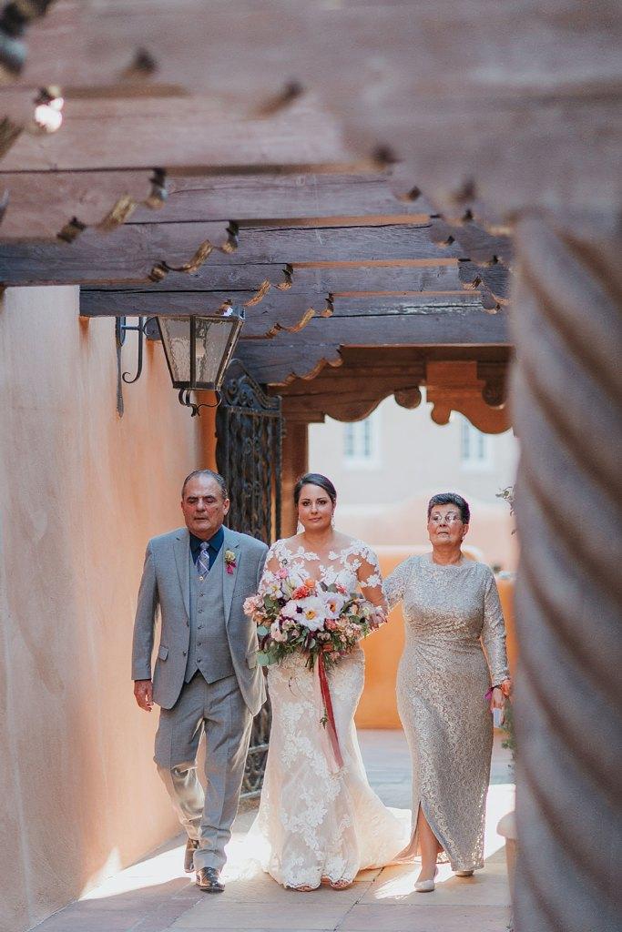 Alicia+lucia+photography+-+albuquerque+wedding+photographer+-+santa+fe+wedding+photography+-+new+mexico+wedding+photographer+-+new+mexico+wedding+-+santa+fe+wedding+-+la+fonda+wedding+-+la+fonda+fall+wedding_0081.jpg