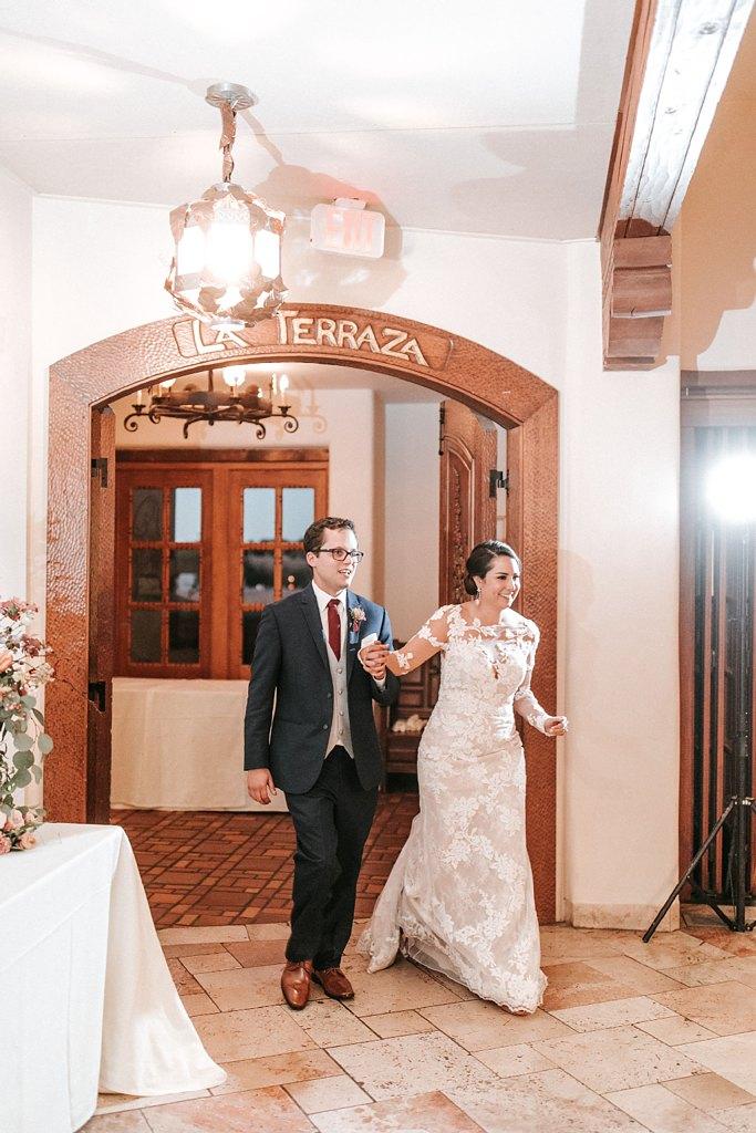 Alicia+lucia+photography+-+albuquerque+wedding+photographer+-+santa+fe+wedding+photography+-+new+mexico+wedding+photographer+-+new+mexico+wedding+-+santa+fe+wedding+-+la+fonda+wedding+-+la+fonda+fall+wedding_0127.jpg