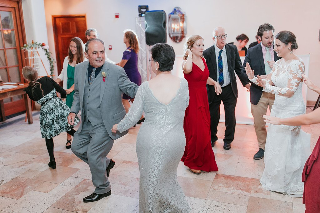 Alicia+lucia+photography+-+albuquerque+wedding+photographer+-+santa+fe+wedding+photography+-+new+mexico+wedding+photographer+-+new+mexico+wedding+-+santa+fe+wedding+-+la+fonda+wedding+-+la+fonda+fall+wedding_0132.jpg