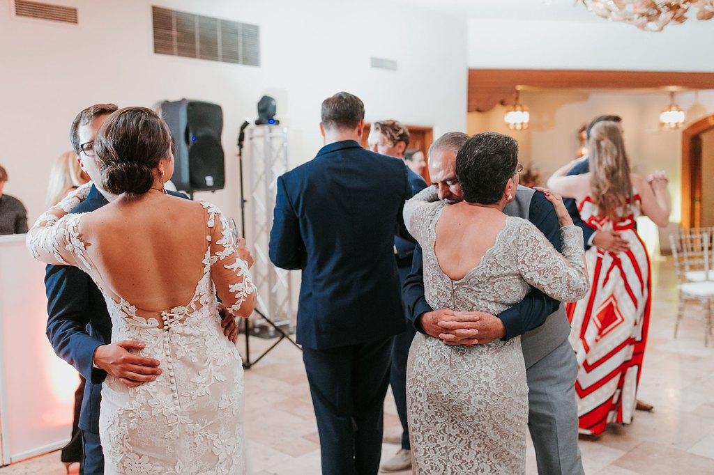Alicia+lucia+photography+-+albuquerque+wedding+photographer+-+santa+fe+wedding+photography+-+new+mexico+wedding+photographer+-+new+mexico+wedding+-+santa+fe+wedding+-+la+fonda+wedding+-+la+fonda+fall+wedding_0137.jpg