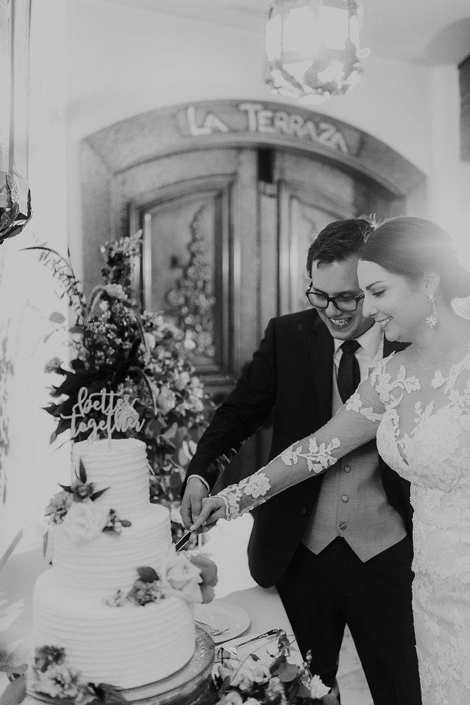 Alicia+lucia+photography+-+albuquerque+wedding+photographer+-+santa+fe+wedding+photography+-+new+mexico+wedding+photographer+-+new+mexico+wedding+-+santa+fe+wedding+-+la+fonda+wedding+-+la+fonda+fall+wedding_0143.jpg