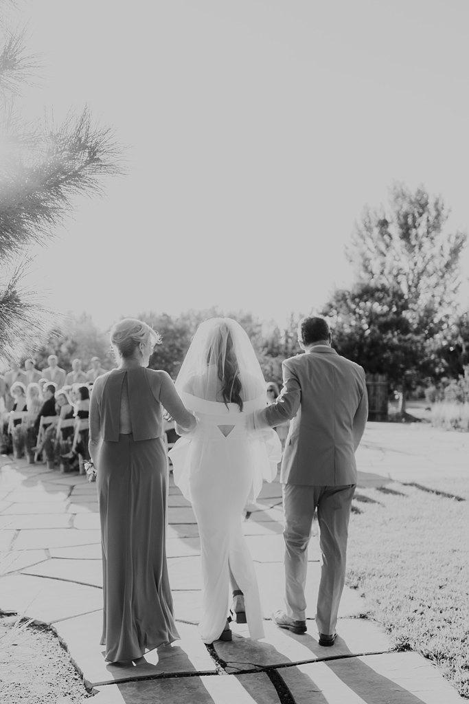 Alicia+lucia+photography+-+albuquerque+wedding+photographer+-+santa+fe+wedding+photography+-+new+mexico+wedding+photographer+-+new+mexico+wedding+-+four+seasons+wedding+-+four+seasons+santa+fe+wedding+-+four+seasons+summer+wedding_0037.jpg