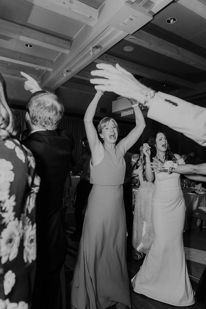 Alicia+lucia+photography+-+albuquerque+wedding+photographer+-+santa+fe+wedding+photography+-+new+mexico+wedding+photographer+-+new+mexico+wedding+-+four+seasons+wedding+-+four+seasons+santa+fe+wedding+-+four+seasons+summer+wedding_0085.jpg