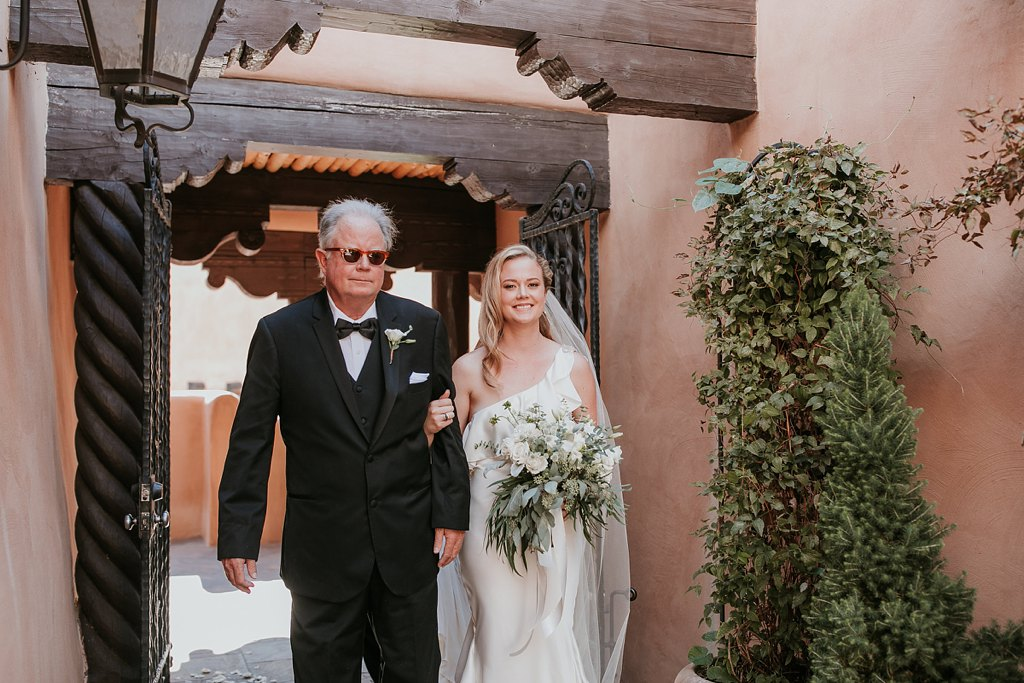 Alicia+lucia+photography+-+albuquerque+wedding+photographer+-+santa+fe+wedding+photography+-+new+mexico+wedding+photographer+-+new+mexico+wedding+-+la+fonda+on+the+plaza+-+la+fonda+late+summer+wedding_0039.jpg