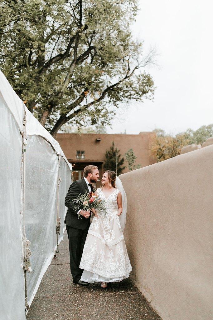 Alicia+lucia+photography+-+albuquerque+wedding+photographer+-+santa+fe+wedding+photography+-+new+mexico+wedding+photographer+-+new+mexico+wedding+-+santa+fe+wedding+-+la+posada+santa+fe+-+la+posada+wedding+-+la+posada+fall+wedding_0073.jpg