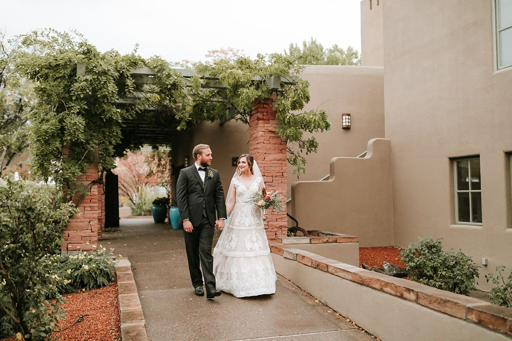 Alicia+lucia+photography+-+albuquerque+wedding+photographer+-+santa+fe+wedding+photography+-+new+mexico+wedding+photographer+-+new+mexico+wedding+-+santa+fe+wedding+-+la+posada+santa+fe+-+la+posada+wedding+-+la+posada+fall+wedding_0081.jpg