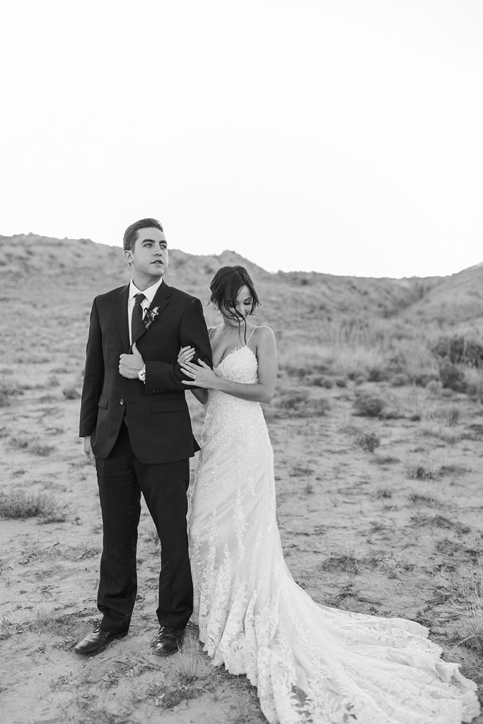 Alicia+lucia+photography+-+albuquerque+wedding+photographer+-+santa+fe+wedding+photography+-+new+mexico+wedding+photographer+-+new+mexico+wedding+-+styled+wedding+-+desert+wedding_0035.jpg