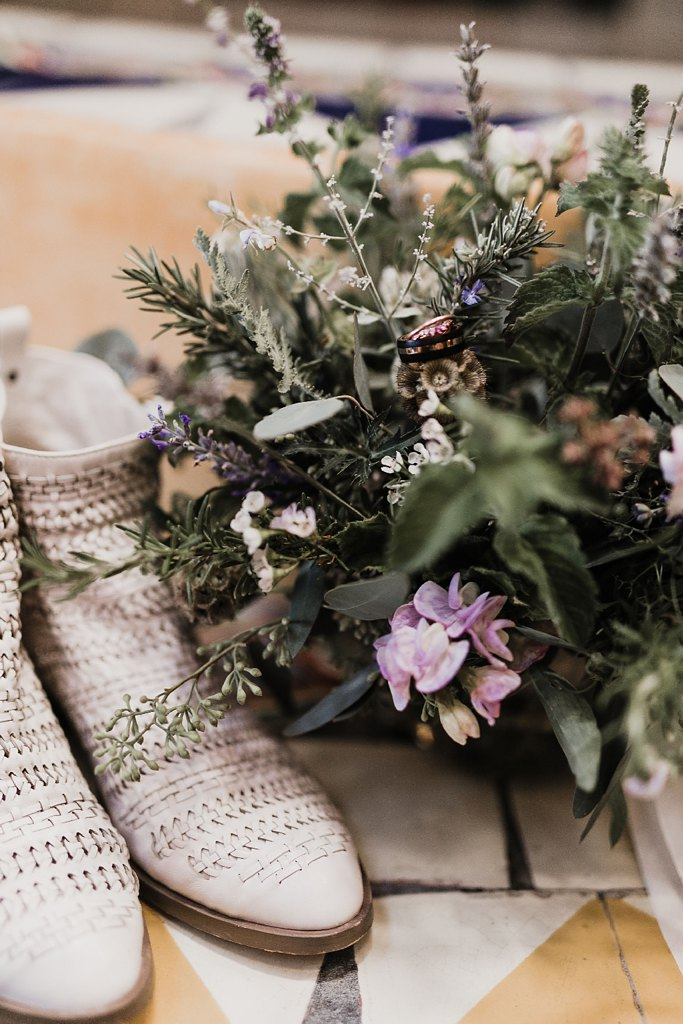 Alicia+lucia+photography+-+albuquerque+wedding+photographer+-+santa+fe+wedding+photography+-+new+mexico+wedding+photographer+-+new+mexico+wedding+-+wedding+florals+-+winter+wedding+-+winter+wedding+florals_0004.jpg