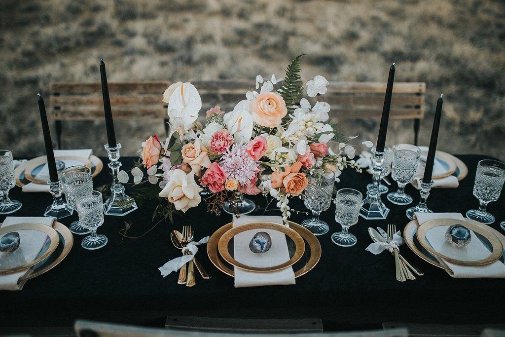 Alicia+lucia+photography+-+albuquerque+wedding+photographer+-+santa+fe+wedding+photography+-+new+mexico+wedding+photographer+-+new+mexico+wedding+-+wedding+florals+-+winter+wedding+-+winter+wedding+florals_0049.jpg