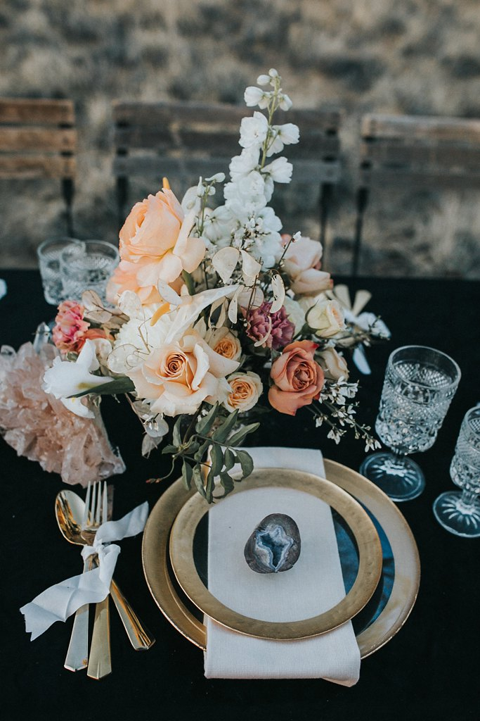 Alicia+lucia+photography+-+albuquerque+wedding+photographer+-+santa+fe+wedding+photography+-+new+mexico+wedding+photographer+-+new+mexico+wedding+-+wedding+florals+-+winter+wedding+-+winter+wedding+florals_0052.jpg