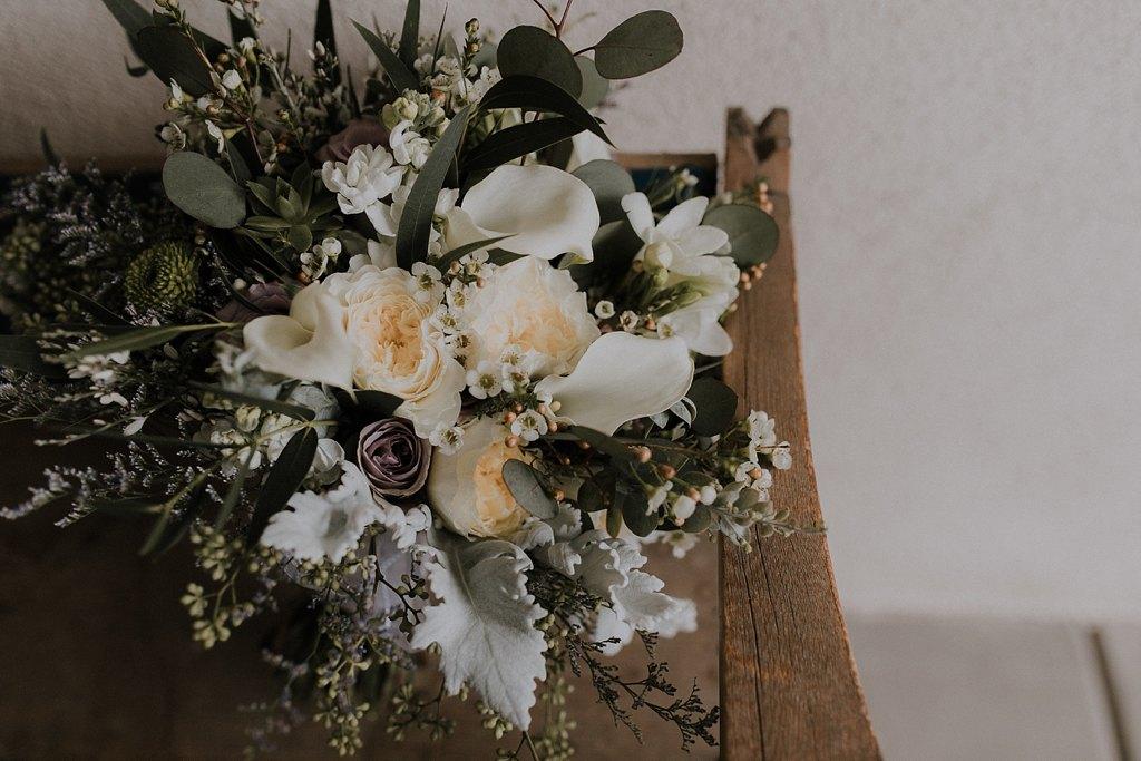 Alicia+lucia+photography+-+albuquerque+wedding+photographer+-+santa+fe+wedding+photography+-+new+mexico+wedding+photographer+-+new+mexico+wedding+-+wedding+florals+-+winter+wedding+-+winter+wedding+florals_0061.jpg