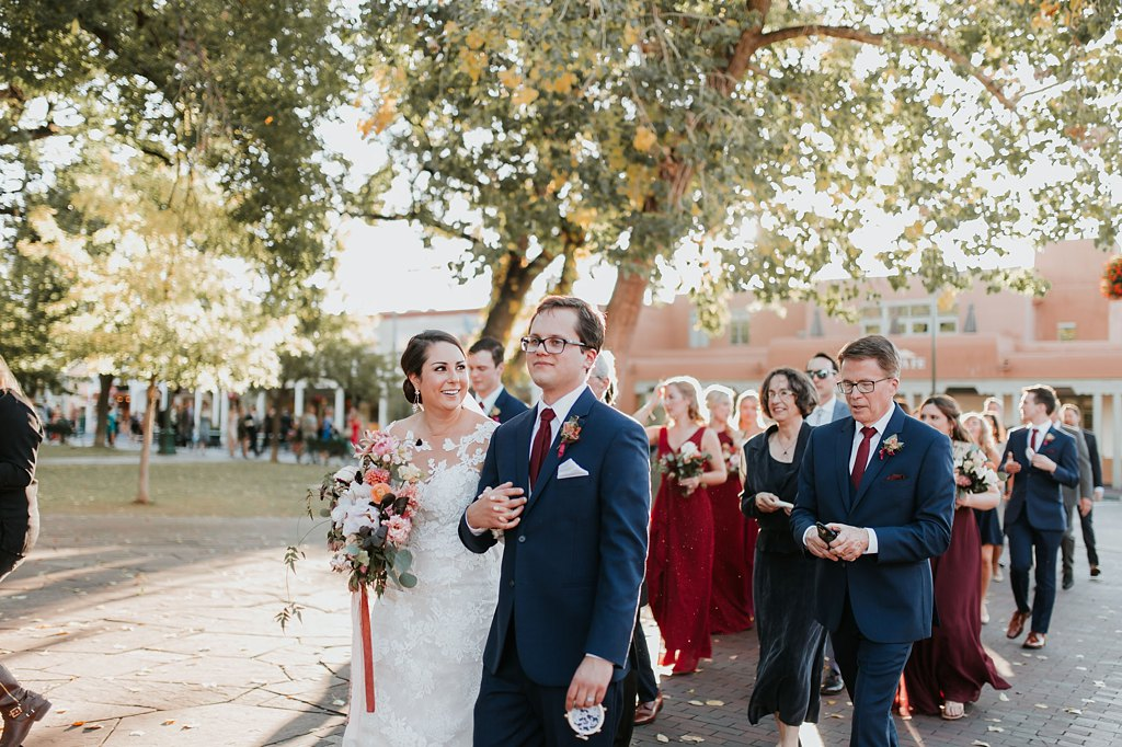 Alicia+lucia+photography+-+albuquerque+wedding+photographer+-+santa+fe+wedding+photography+-+new+mexico+wedding+photographer+-+new+mexico+wedding+-+wedding+party+-+big+wedding+-+wedding+inspo_0009.jpg