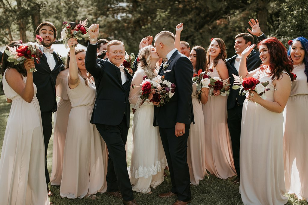 Alicia+lucia+photography+-+albuquerque+wedding+photographer+-+santa+fe+wedding+photography+-+new+mexico+wedding+photographer+-+new+mexico+wedding+-+wedding+party+-+big+wedding+-+wedding+inspo_0021.jpg