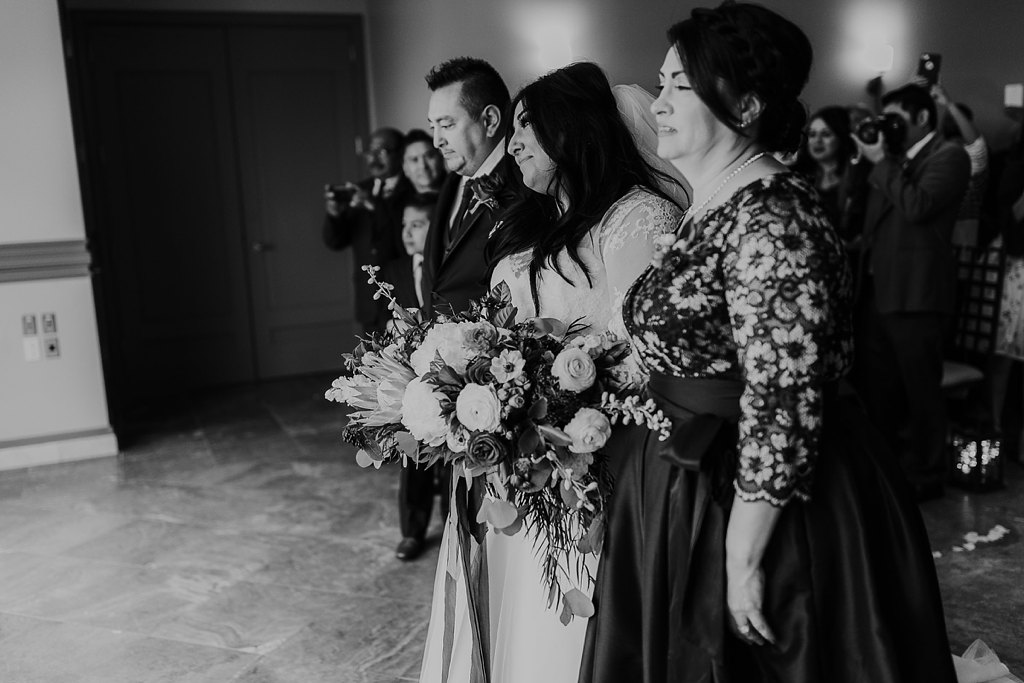 Alicia+lucia+photography+-+albuquerque+wedding+photographer+-+santa+fe+wedding+photography+-+new+mexico+wedding+photographer+-+new+mexico+wedding+-+wedding+photographer+-+groom+reactions_0027.jpg