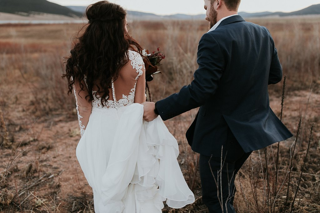 Alicia+lucia+photography+-+albuquerque+wedding+photographer+-+santa+fe+wedding+photography+-+new+mexico+wedding+photographer+-+new+mexico+wedding+-+winter+wedding+-+winter+wedding+gowns_0022.jpg
