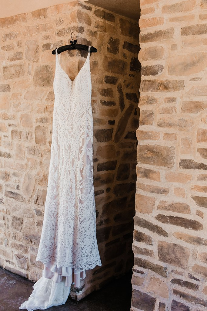 Alicia+lucia+photography+-+albuquerque+wedding+photographer+-+santa+fe+wedding+photography+-+new+mexico+wedding+photographer+-+new+mexico+wedding+-+winter+wedding+-+winter+wedding+gowns_0046.jpg
