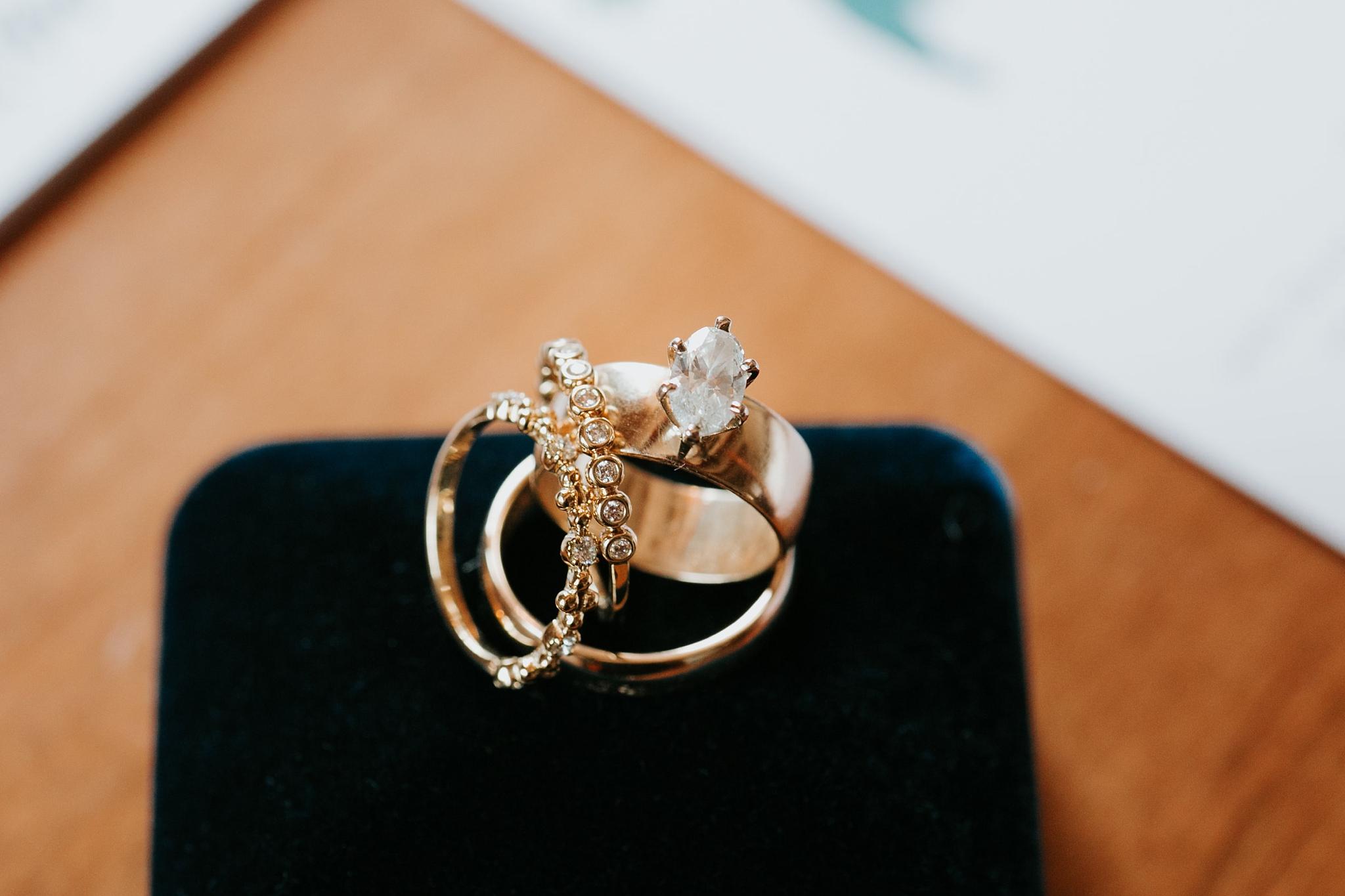 Alicia+lucia+photography+-+albuquerque+wedding+photographer+-+santa+fe+wedding+photography+-+new+mexico+wedding+photographer+-+new+mexico+wedding+-+santa+fe+wedding+-+albuquerque+wedding+-+wedding+rings+-+engagement+rings_0010.jpg