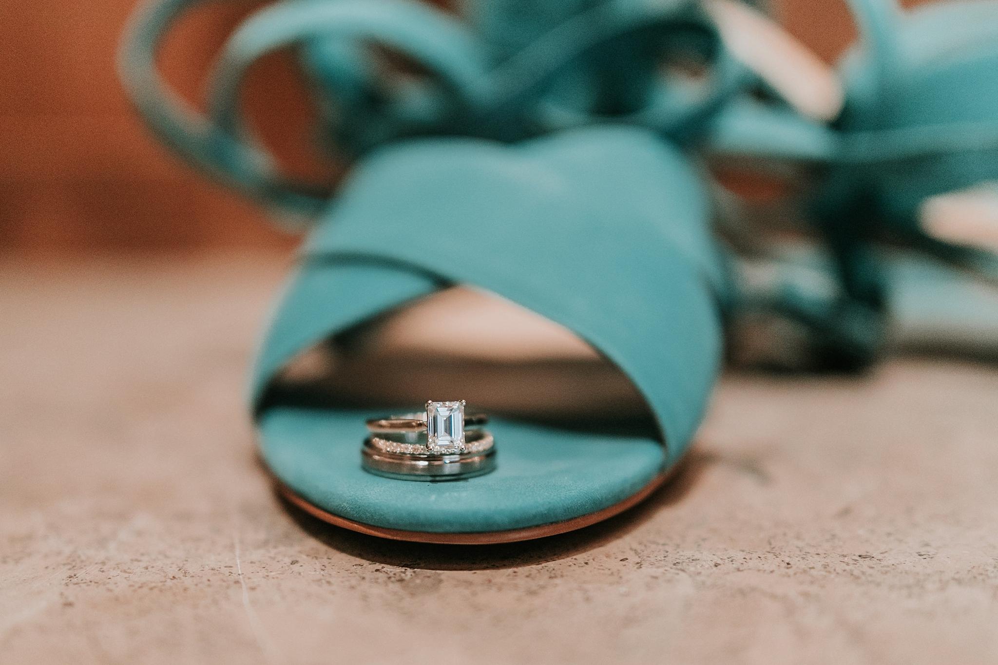 Alicia+lucia+photography+-+albuquerque+wedding+photographer+-+santa+fe+wedding+photography+-+new+mexico+wedding+photographer+-+new+mexico+wedding+-+santa+fe+wedding+-+albuquerque+wedding+-+wedding+rings+-+engagement+rings_0024.jpg