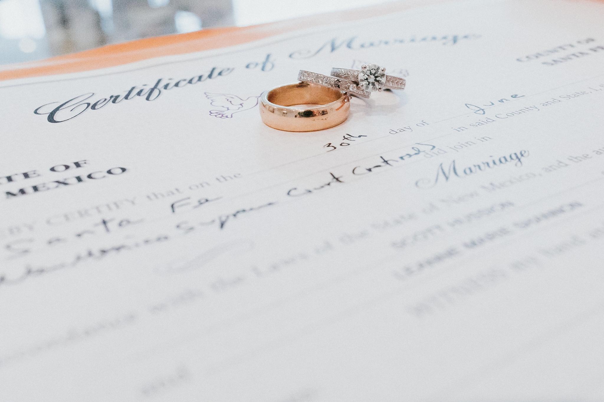 Alicia+lucia+photography+-+albuquerque+wedding+photographer+-+santa+fe+wedding+photography+-+new+mexico+wedding+photographer+-+new+mexico+wedding+-+santa+fe+wedding+-+albuquerque+wedding+-+wedding+rings+-+engagement+rings_0027.jpg