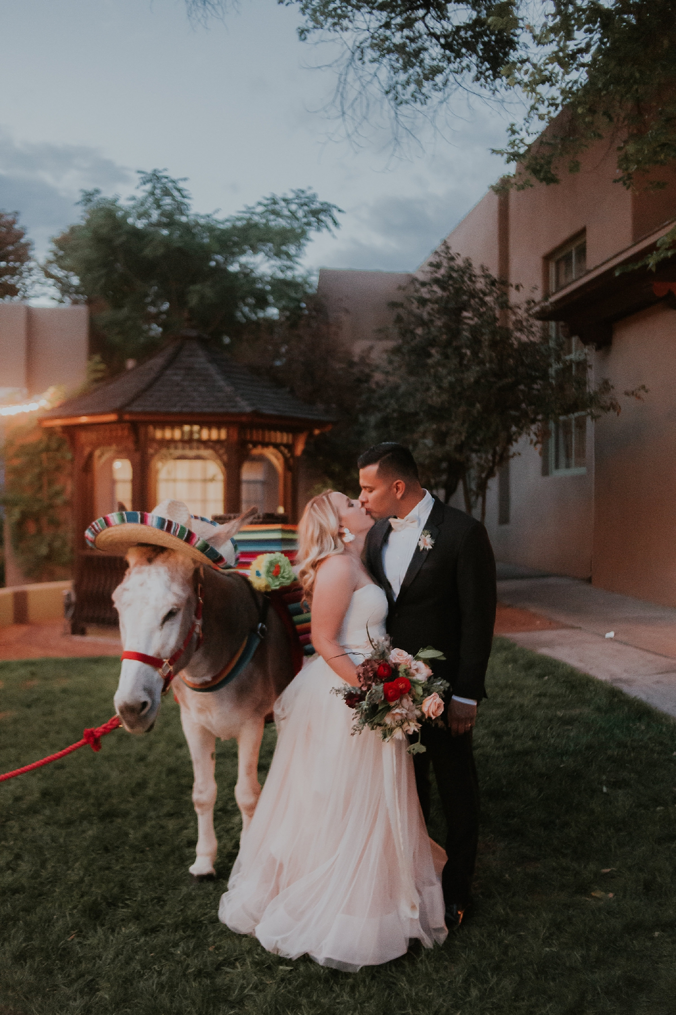 Alicia+lucia+photography+-+albuquerque+wedding+photographer+-+santa+fe+wedding+photography+-+new+mexico+wedding+photographer+-+new+mexico+wedding+-+santa+fe+wedding+-+albuquerque+wedding+-+southwest+wedding+traditions_0023.jpg