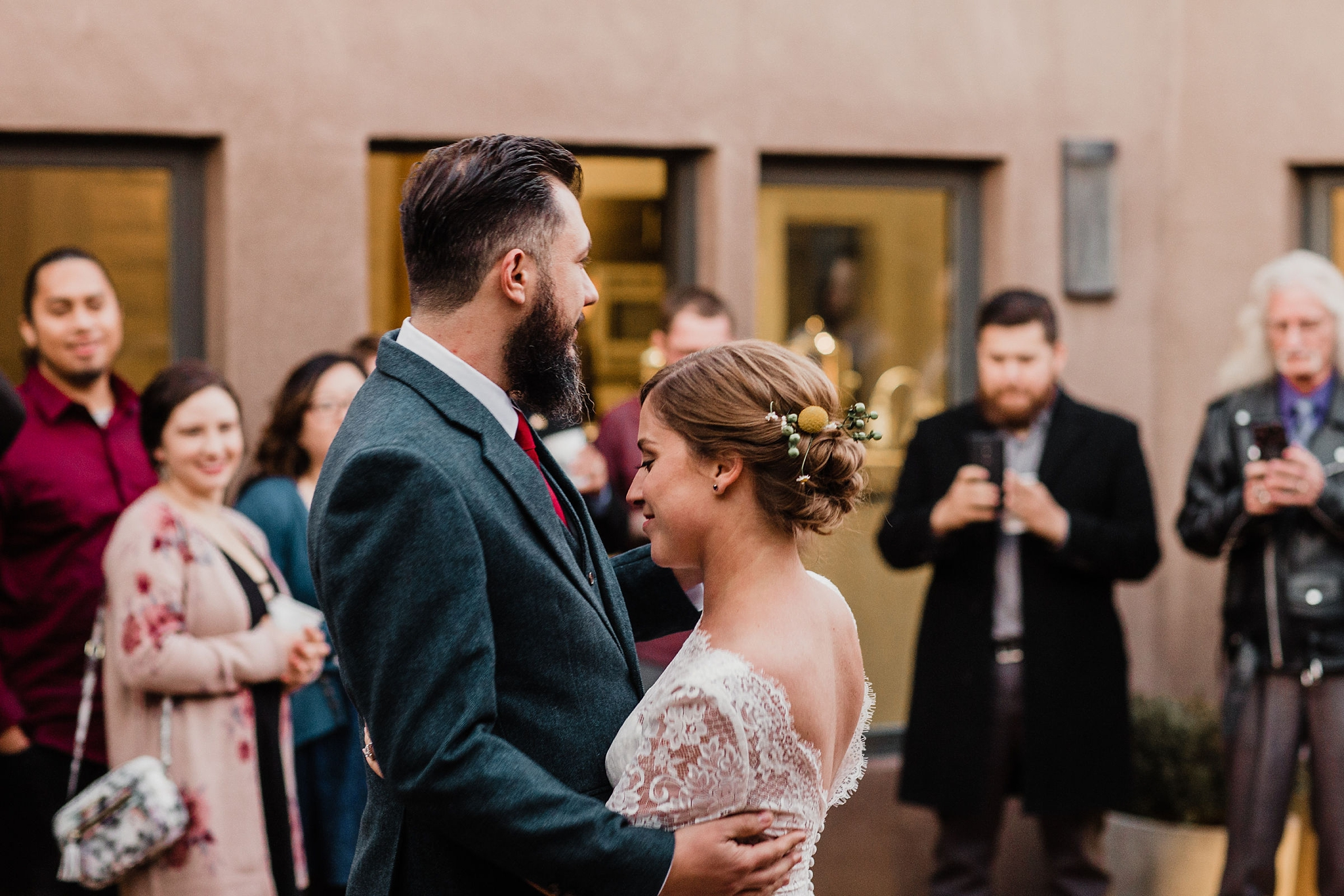 Alicia+lucia+photography+-+albuquerque+wedding+photographer+-+santa+fe+wedding+photography+-+new+mexico+wedding+photographer+-+albuquerque+wedding+-+sarabande+bed+breakfast+-+bed+and+breakfast+wedding_0109.jpg