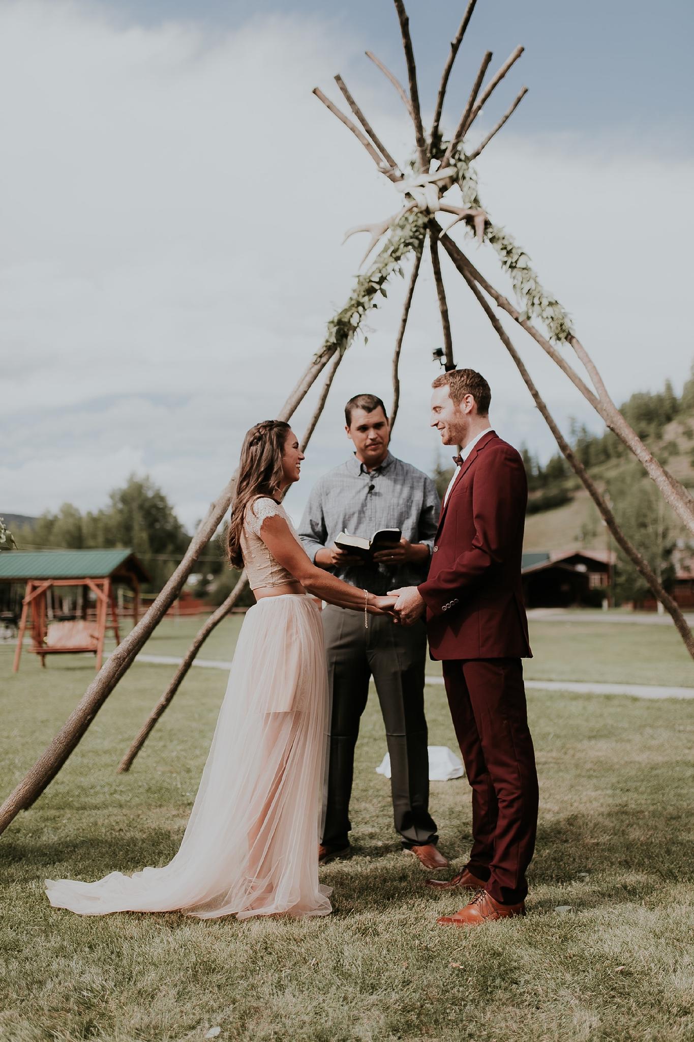 Alicia+lucia+photography+-+albuquerque+wedding+photographer+-+santa+fe+wedding+photography+-+new+mexico+wedding+photographer+-+albuquerque+wedding+-+santa+fe+wedding+-+wedding+gowns+-+non+traditional+wedding+gowns_0008.jpg